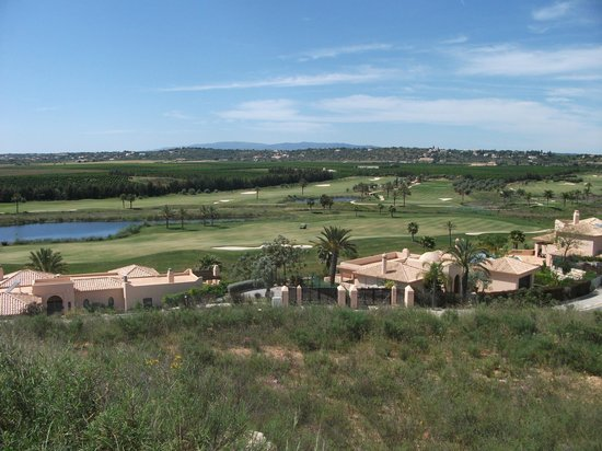 Amendoeira Golf Resort: view of golf course from balcony