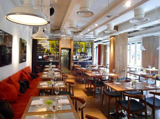 The Westbury: Cafe Novo