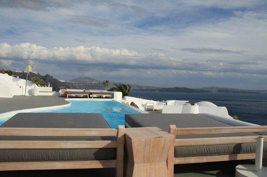 Katikies Hotel: Upper Level pool