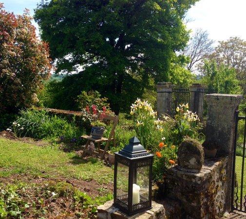Chateau de Corrige : Enjoy the glorious gardens