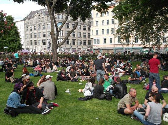 SANDEMANs NEW Europe - Berlin: 1 de Mayo de fiesta por Berlín