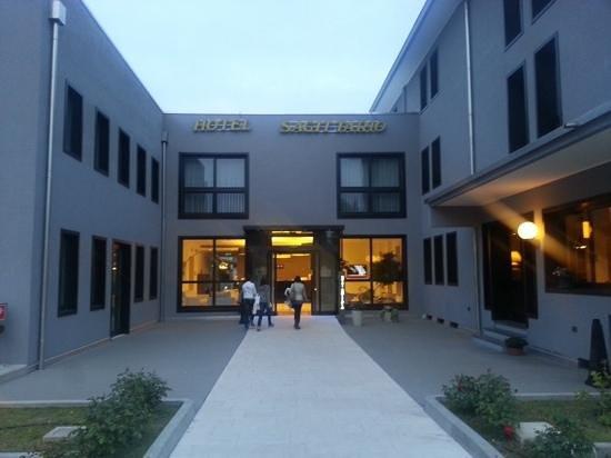 Hotel Sagittario : L'ingresso dell'hotel
