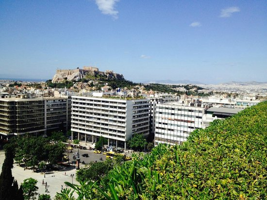 Hotel Grande Bretagne, A Luxury Collection Hotel : View of Acropolis from Roof top Garden Breakfast