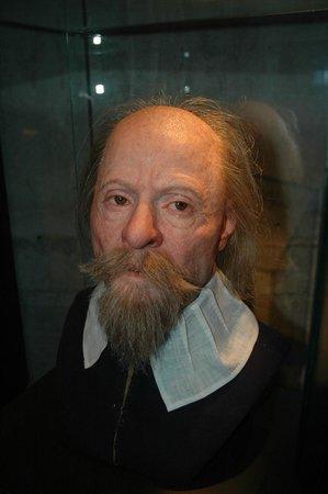 Vasa-Museum: Esculturas personaje tripulación barco