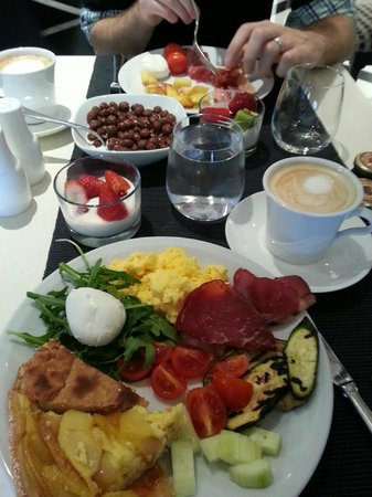 Palazzo Naiadi: Our breakfast/brunch at the hote;