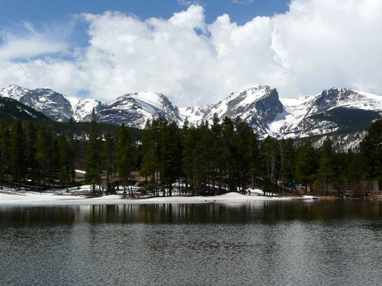The Maxwell Inn: Rocky Mountain National Park