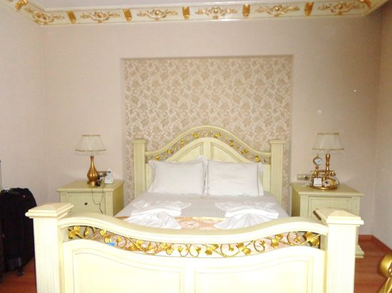 White House Hotel Istanbul : very comfortable bed