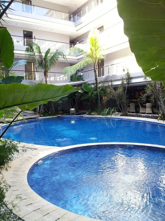 Amaroossa Suite Bali: poolview3