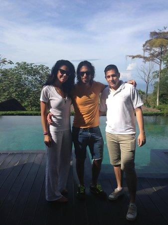 Oxygen Jungle Villas: Posing with Darriel