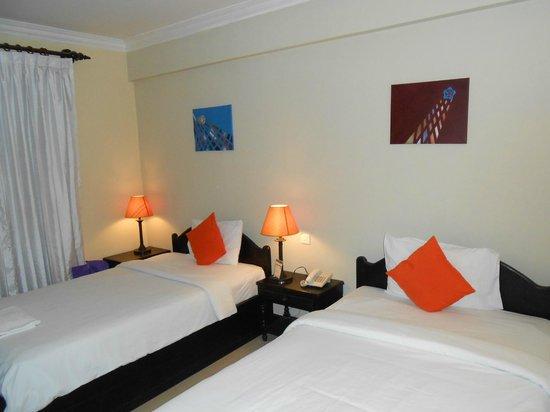 Claremont Angkor Boutique Hotel: номер с раздельными кроватями