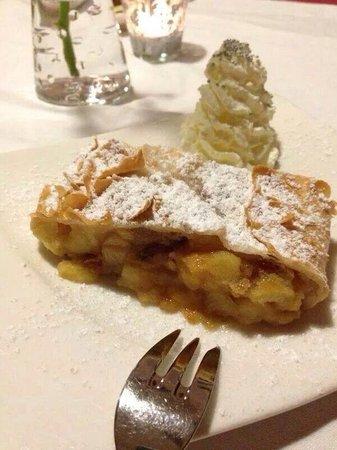 Ristorante Beccofino : Austria's speciality, Apple Strudel.