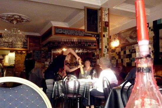 Cafe Sambuca: Bustling, busy dining area.