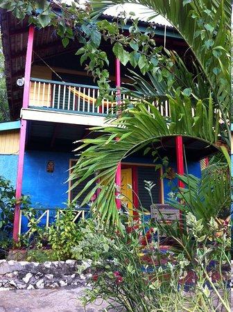 Banana Shout Resort : My Little Cottage