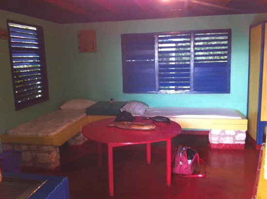 Banana Shout Resort: Main Room