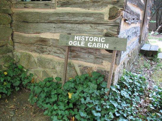 Historic Ogle Log Cabin : Signage