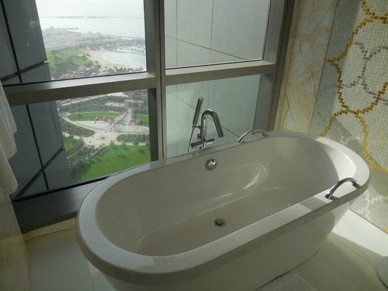 Jumeirah at Etihad Towers: Bath with a view