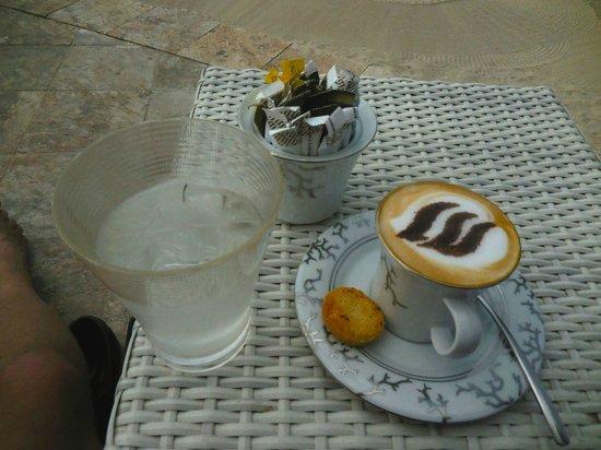 Jumeirah at Etihad Towers: Cappuccino at the pool - very good!