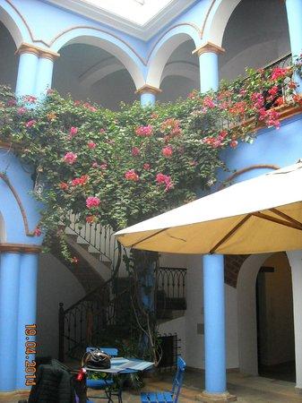 Parador Santa Maria la Real: Primer patio