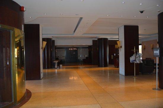 NH Palermo : Hall d'accueil