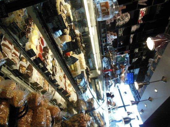 The Lucky Dill Deli: Bakery Counter