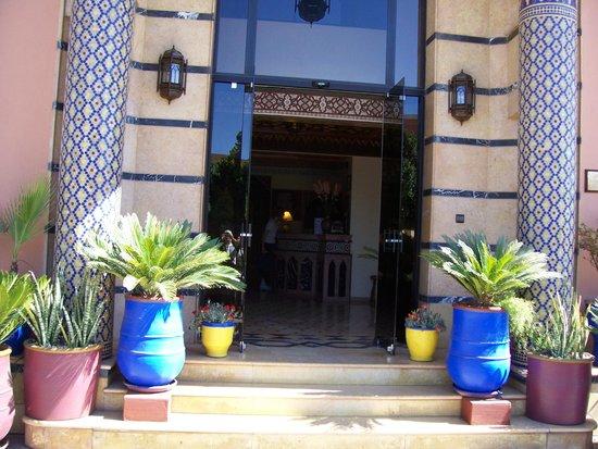 Amani Hôtel Appart: Entrée de l'hôtel