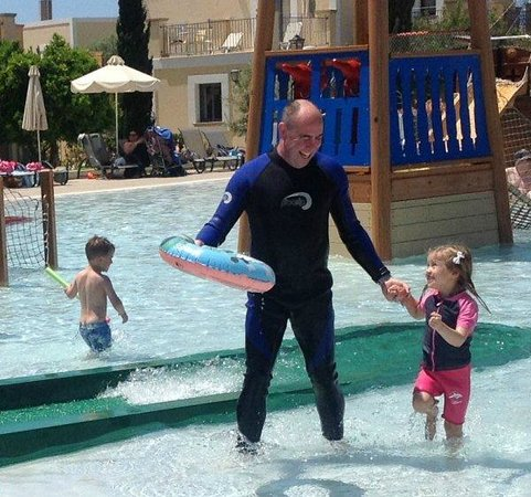 Aliathon Holiday Village: Going low season?  GET A WETSUIT