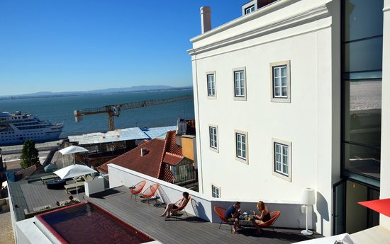 Memmo Alfama Hotel : the hotel