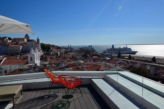 Memmo Alfama Hotel : panorama from the terrace