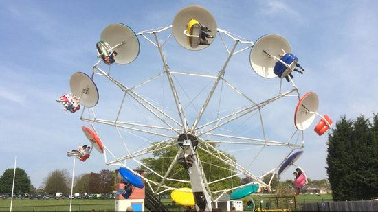 Wicksteed Park : Paratroopers ride