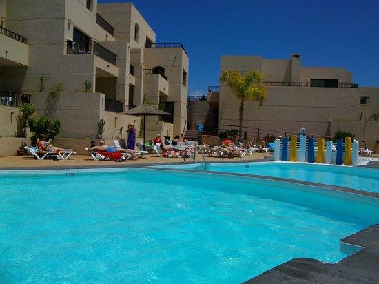 Blue Sea Costa Teguise Gardens: pool area