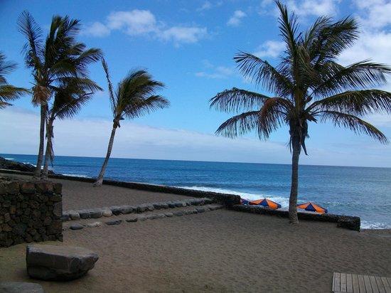 Blue Sea Costa Teguise Gardens: beach