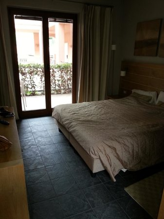 Meridiana Country Hotel: Camera dall'entrata