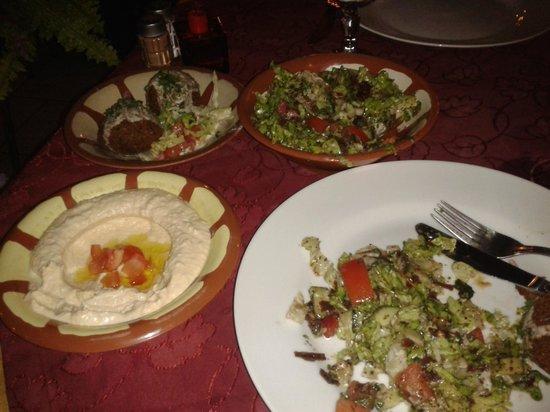 Le Bekaa : my meal - falafel, houmous, salad, free bread