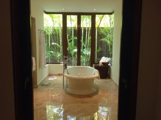 Fairmont Mayakoba: our bathroom :)
