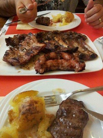 Restaurante EL Gaucho : parrilada de carne