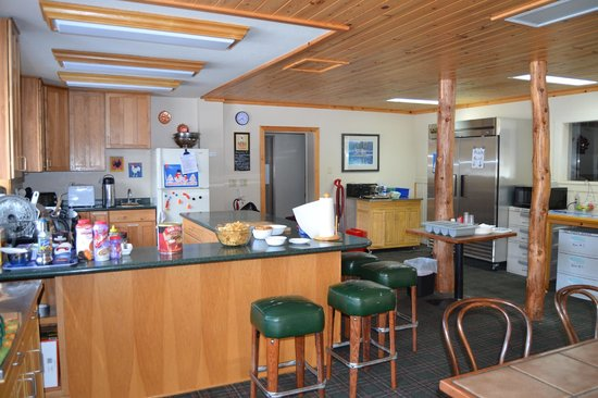 Tamarack Lodge At Bear Valley: Full Kitchen In the main lodge
