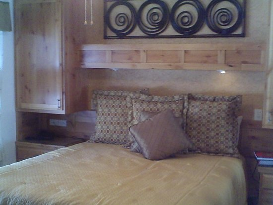 Stardust Lodge: Separate bedroom area