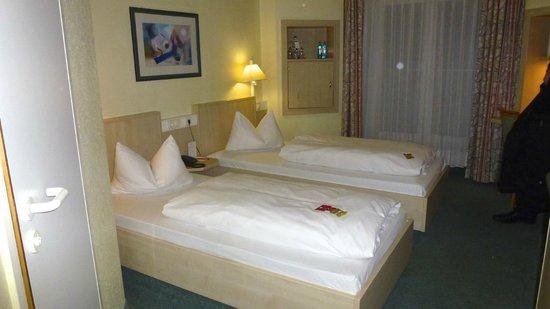 IntercityHotel Hamburg-Altona : Beds