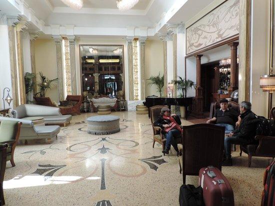 Grand Hotel Savoia: Hall de entrada