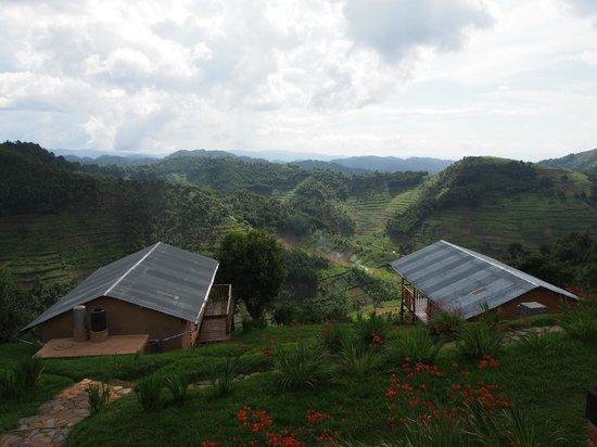 Bakiga Lodge: View from restaurant balcony
