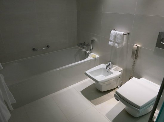 Sheraton Porto Hotel & Spa : Bathroom