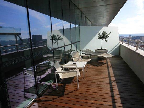 Sheraton Porto Hotel & Spa : Patio for room.