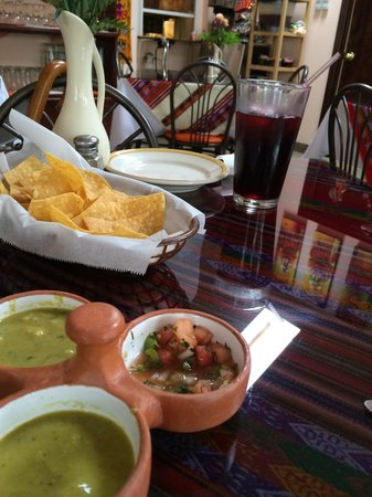 El Tule Authentic Mexican & Peruvian Restaurant: Great app and my wife loved the pomegranate Peruvian drink