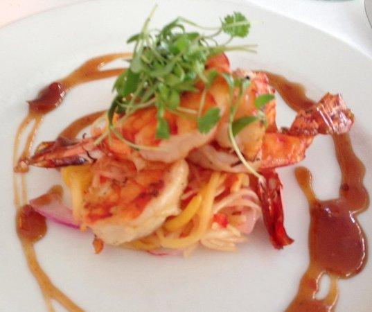 Peter Shields Inn & Restaurant: Grilled Prawn appetizer with Mango Slaw