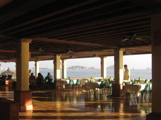 Hotel Playa Mazatlan: lunchtime view