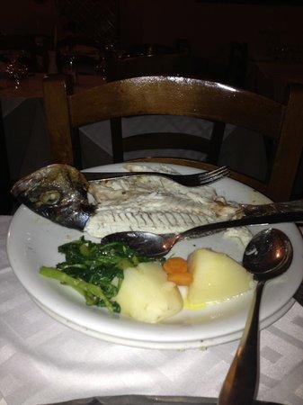 Arsenis Taverna Iseris : Fresh grilled dorado - deboned tableside