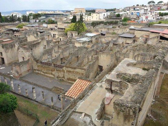 Ruins of Herculaneum : Vista degli scavi do Ercolano dall'ingresso principale