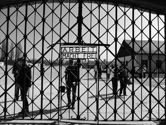 Dachau Concentration Camp Memorial Site: Portão de entrada