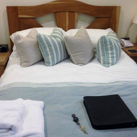 South Sands Hotel: Optimist Room - comfy bed