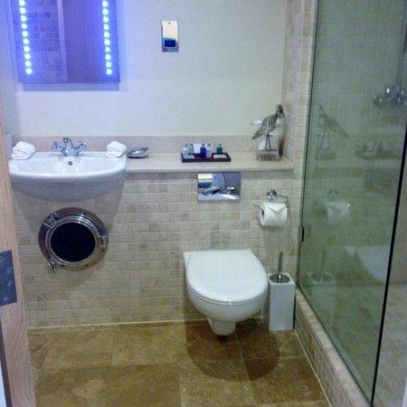 South Sands Hotel: Optimist Room - bathroom
